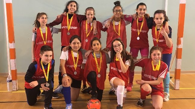 Félicitations aux benjamines pour leur médaille d'argent académique de Futsal UN